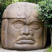 Tahiti Statue