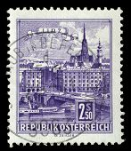 AUSTRIA - CIRCA 1962: stamp printed by Austria, shows Danube Bridge, Linz, circa 1962