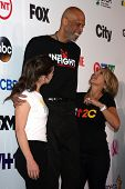 LOS ANGELES - SEP 5:  Hailee Steinfeld, Kareem Abdul-Jabbar, Katie Couric at the Stand Up 2 Cancer T