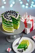 Green sponge cake