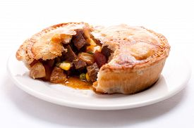 picture of pot roast  - meat pie made with roast beef in a savoury gravy
