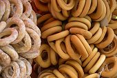 picture of bagel  - A bunch of delicious bagels with bagels ordinary and glaze