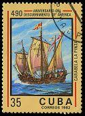 Cuba - por volta de 1982: Um selo imprimido em Cuba mostra navio La Pinta, dedicada descoberta da América, por volta de