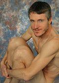Homem musculoso nu