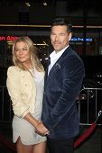 LOS ANGELES - NOV 5:  Eddie Cibrian, LeAnn Rimes at the