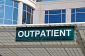Rótulo de entrada de hospital para pacientes ambulatorios