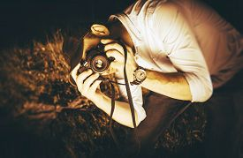 picture of analogy  - Photographer in Action - JPG