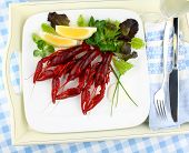 Boiled Crayfish With Lemon And Lettuce