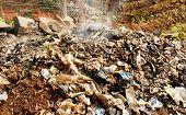 Verbrennen von Abfall oder Müll In Afrika