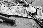 pic of cigar  - Dollar - JPG