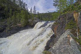 picture of murmansk  - Waterfall Small Yaniskengas on Kutsayoki river - JPG
