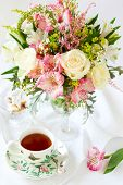 pic of flower arrangement  - beautiful flowers in vase  - JPG