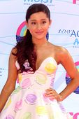 LOS ANGELES - JUL 22:  Ariana Grande arriving at the 2012 Teen Choice Awards at Gibson Ampitheatre o