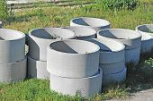 pic of septic  - Concrete circle pits - JPG