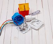 pic of wire cutter  - disassembled socket connection to the electric wire - JPG