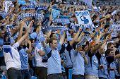 MELBOURNE - 20 de março: Sydney FC fãs comemoram sua vitória final grand da-League Melbourne Victory