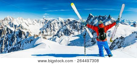 Skiing Vallee Blanche Chamonix with