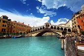 picture of gondola  - Rialto bridge in Venice - JPG
