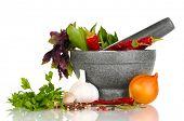 Reihe von Zutaten und Gewürzen für Kochkurse, isolated on white