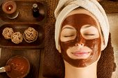Spa de chocolate de luxo. Máscara facial
