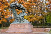 picture of chopin  - Fall in Lazienki park with monument of Chopin - JPG