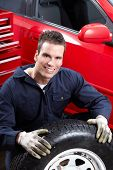Professional Auto mechanic. Car repair service.
