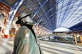 Statue Of Sir John Betjeman In St Pancras