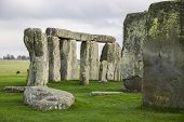 picture of stonehenge  - The Stonehenge historic monument in England - JPG