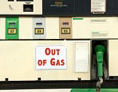 picture of gas-pipes  - Sign showing  - JPG