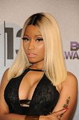 LOS ANGELES - 30 JUN: Nicki Minaj op de 2013 BET Awards bij Nokia Theater L.A. Live op 30 juni 2013