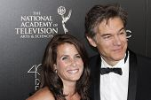 BEVERLY HILLS - JUN 16: Lisa Oz, Dr Mehmet Oz at the 40th Annual Daytime Emmy Awards at The Beverly