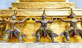 Statues in Wat Po
