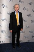 LOS ANGELES - JUL-24: Patrick Duffy kommt bei TNT 25th Anniversary Party im Beverly Hilton H
