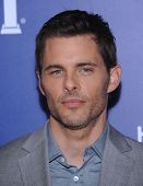 LOS ANGELES - AUG 14:  James Marsden arrives to the HFPA Annual Installation Dinner 2014 on August 14, 2014 in Beverly Hills, CA