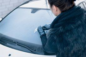 pic of scrape  - Winter Driving  - JPG