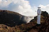 Sismológico terremoto no vulcão Vesúvio, a estação de monitoramento