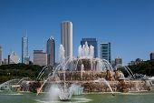 Chicago - July 7 : Famous Buckingham Fountain In July 7, Grant Park, Chicago, Usa