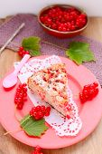 Red currants cake