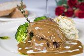 Camel Steak In Gravy a la carte