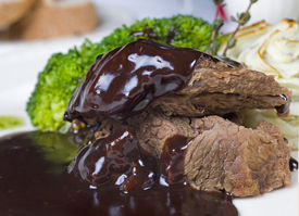 picture of camel-cart  - Camel steak in chocolate sauce a la carte meal - JPG