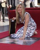 LOS ANGELES - FEB 22:  JENNIFER ANISTON arriving to Walk of Fame Ceremony for Jennifer Aniston  on February 22, 2012 in Hollywood, CA