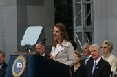 SACRAMENTO - NOV 17: Maria Shriver at the Governor Swearing In Ceremony at the Capitol in Sacramento