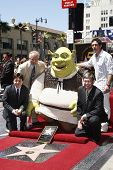 LOS ANGELES - MAY 20: Mike Myers, Tom LaBonge, Shrek, Antonio Banderas, Leron Gubler at the ceremony
