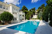 image of villa  - Picture of a luxury villa with swimming pool - JPG