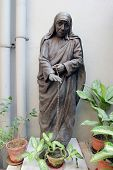 pic of nobel peace prize  - Statue of mother teresa in Mother house - JPG
