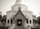 picture of lingam  - The North of Thailads style of temple - JPG