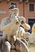 Fontana Del Moro