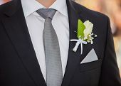 pic of boutonniere  - Close up detail view at the groom - JPG