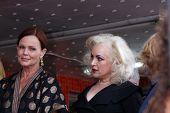 Los Angeles aug 11: Belinda Carlisle, Jane Wiedlin bei der Zeremonie für die Gogo 's Stern auf der Spur HO-