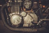 pic of carburetor  - Close - JPG